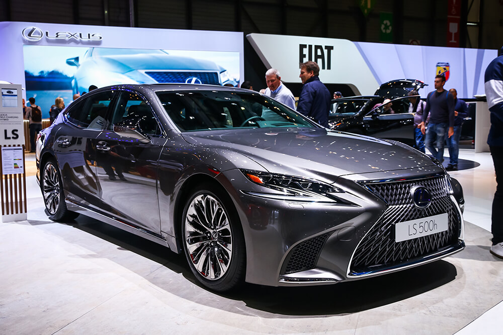 The Pros and Cons of Buying A 2019 Lexus LS